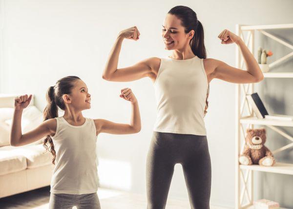 Εύκολοι τρόποι να ξεκινήσετε τη γυμναστική στην καραντίνα | imommy.gr