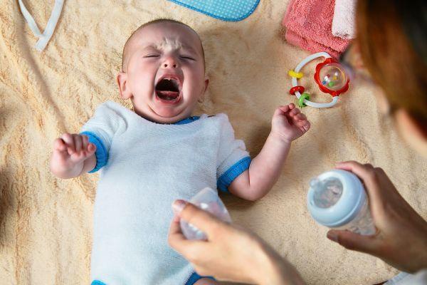 Μεταλλαγμένο στέλεχος κοροναϊού: Προσβάλλει ευκολότερα τα παιδιά; | imommy.gr