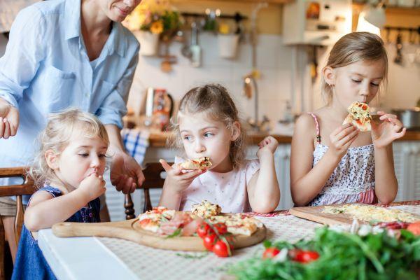 Γιατί πεινάει συνέχεια το παιδί; | imommy.gr