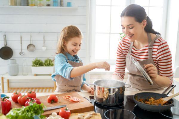 Οι βασικοί κανόνες της παιδικής διατροφής | imommy.gr