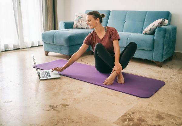 Γυμναστική: Πώς θα επανέλθετε στις προπονήσεις σας μετά τον τοκετό | imommy.gr
