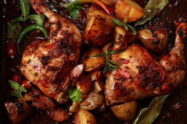 Του φούρνου: Κοτόπουλο με δεντρολίβανο και πορτοκάλι | imommy.gr