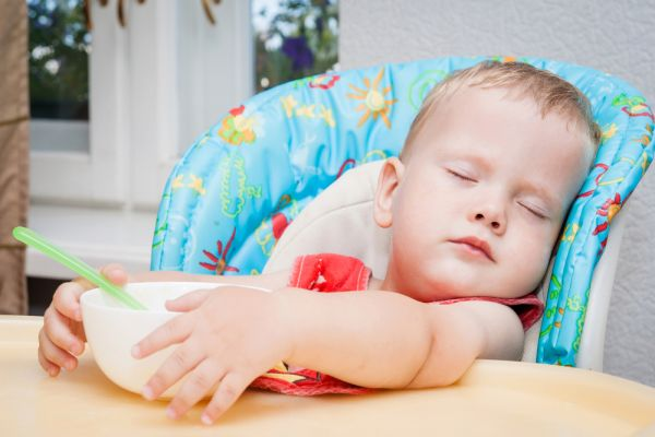 Το βίντεο που αποδεικνύει ότι τα μωρά μπορούν να κοιμηθούν οπουδήποτε | imommy.gr