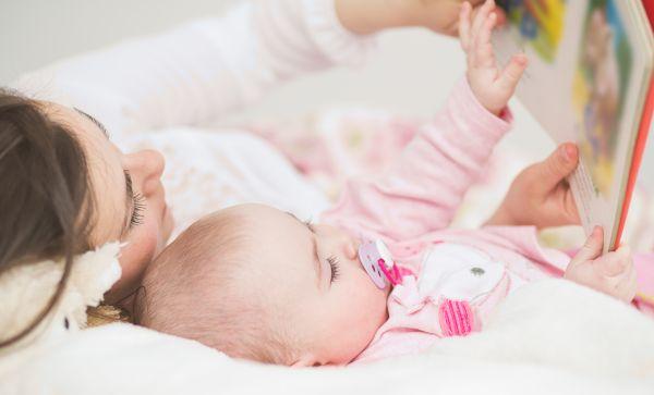 Διαβάστε στο μωρό σας.. του κάνει καλό | imommy.gr