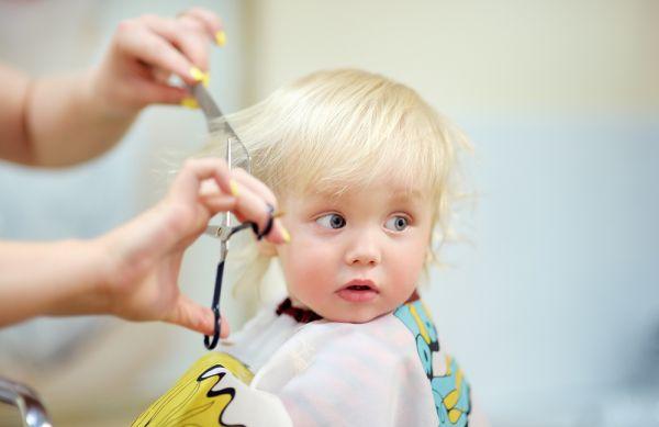 Αστείες αντιδράσεις μωρών που κουρεύονται για πρώτη φορά [βίντεο] | imommy.gr