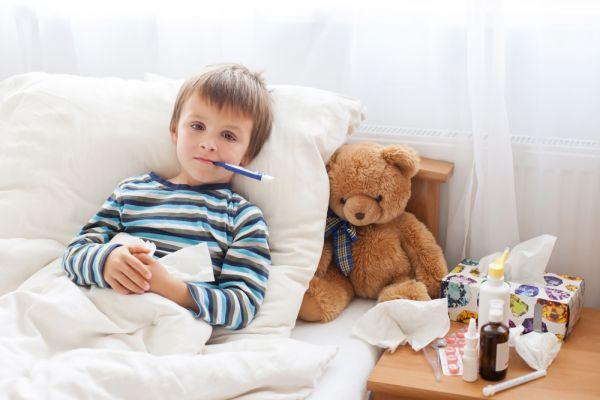 Το παιδί αρρώστησε, έχει κρυώσει ή έχει κοροναϊό; | imommy.gr