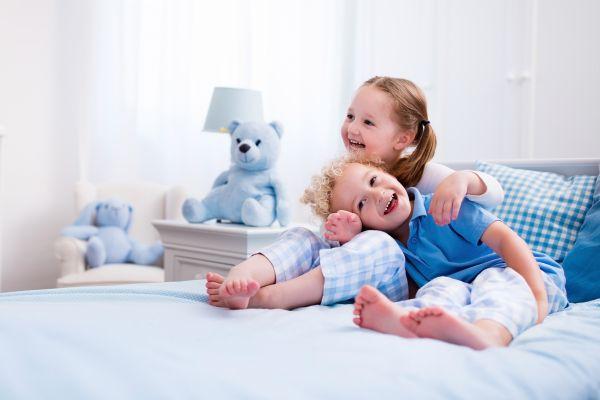 Γιατί είναι σημαντικό τα αδέρφια να είναι αγαπημένα; | imommy.gr