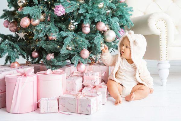Τι θα βρει φέτος κάτω από το Χριστουγεννιάτικο δέντρο; | imommy.gr