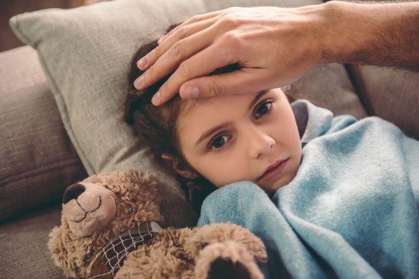 Το παιδί έχει πυρετό. Τι να κάνω;   imommy.gr