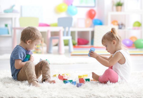 Μαθαίνουμε στο παιδί να μοιράζεται | imommy.gr