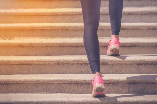 Tο «τεστ της σκάλας» : Πώς θα καταλάβετε αν η καρδιά σας είναι υγιής | imommy.gr