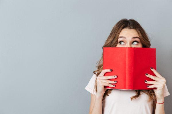 Καραντίνα: Τα αγαπημένα βιβλία 10 γνωστών Ελλήνων | imommy.gr