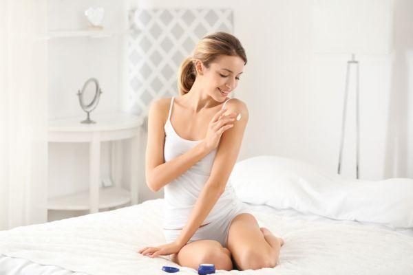 Περιποιημένη μαμά: Πώς θα ενυδατώσουμε σωστά το ξηρό δέρμα | imommy.gr