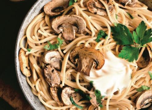 Μακαρόνια με μανιτάρια και σος γιαουρτιού | imommy.gr