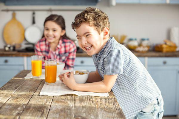Παιδί: Πώς θα υιοθετήσει υγιεινές διατροφικές συνήθειες | imommy.gr