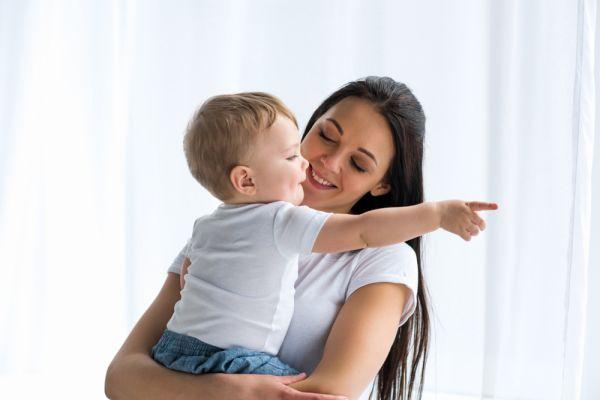 Μωρά: Πότε ξεκινούν να δείχνουν; | imommy.gr