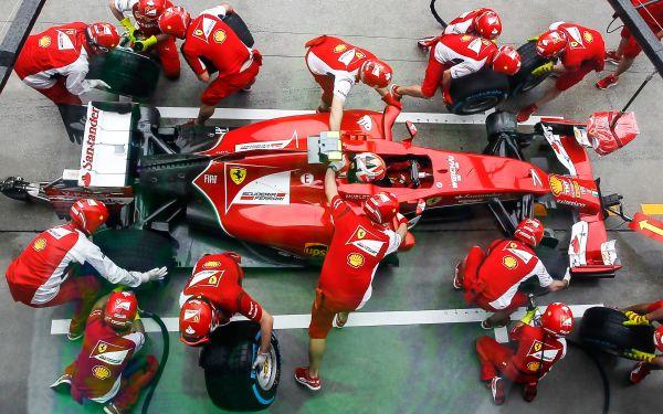 Maya Weug: Η 16χρονη που κατάφερε να γίνει η πρώτη οδηγός της Ferrari | imommy.gr
