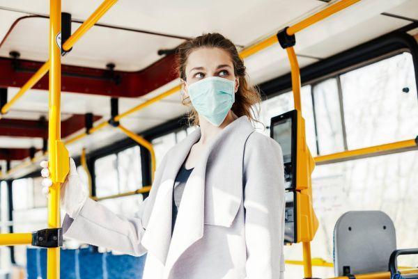 Κοροναϊός: Πώς θα μειώσετε το κίνδυνο στα μέσα μεταφοράς | imommy.gr