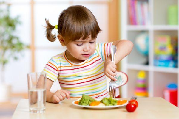 Μεγαλώνουμε παιδιά με καλούς τρόπους | imommy.gr