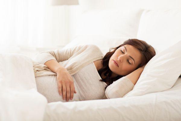 Ύπνος στην εγκυμοσύνη: Δέκα tips για όνειρα γλυκά | imommy.gr