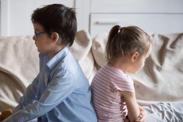 Τι να κάνουμε όταν τσακώνονται τα αδέρφια; | imommy.gr