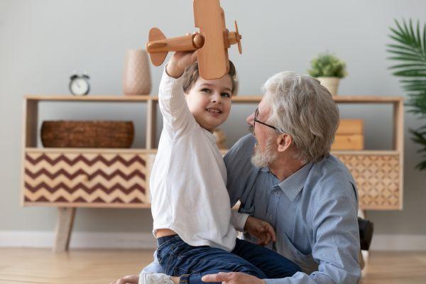 Covid-19: Μπορούμε να δούμε τον παππού και την γιαγιά μετά το εμβόλιο | imommy.gr