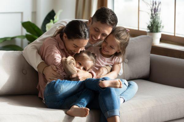 Πώς θα δείξουμε στο παιδί την αγάπη μας; | imommy.gr