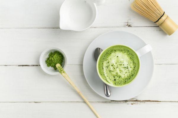 Matcha Blanc latte: Πώς μας ωφελεί – Πώς να το φτιάξετε | imommy.gr