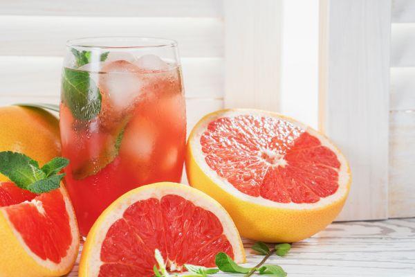 Πότε πρέπει να αποφεύγετε τον χυμό γκρέιπφρουτ; | imommy.gr