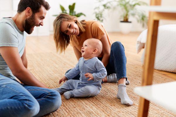 Ανάπτυξη μωρού: Πότε θα πει «μαμά» και «μπαμπά»; | imommy.gr