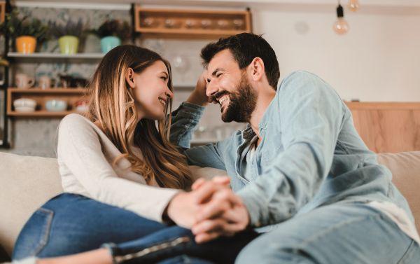 Έτσι θα επαναφέρετε τον ρομαντισμό στον γάμο σας | imommy.gr