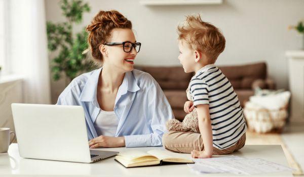 Τι μπορούν να κάνουν τα παιδιά όσο δουλεύετε στο σπίτι | imommy.gr