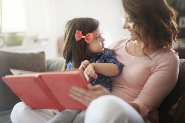 Τι μαθαίνουν τα μικρά παιδιά μέσα από την οικογένειά τους; | imommy.gr