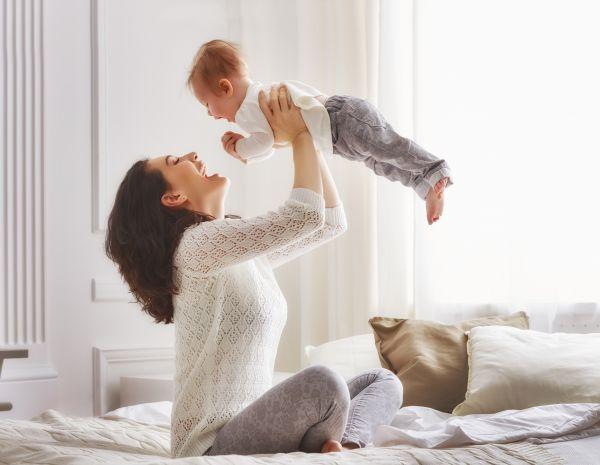 Ενισχύστε τη συναισθηματική ανάπτυξη του μωρού μέσω του παιχνιδιού | imommy.gr