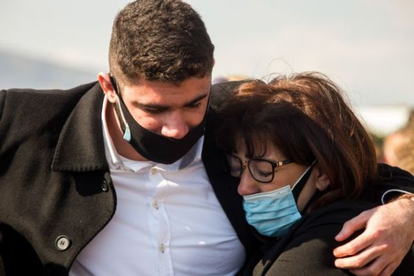 Γιώργος Καραϊβάζ : Πώς έμαθε η οικογένειά του για τον θάνατό του | imommy.gr