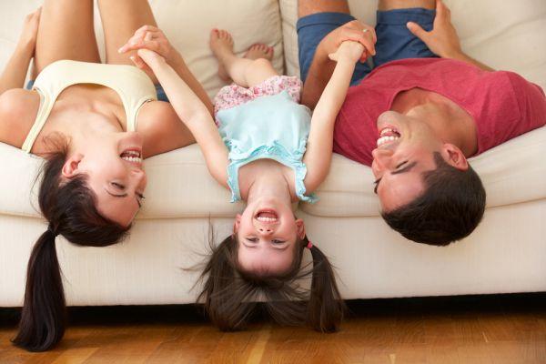 5+1 facts που αποδεικνύουν ότι το γέλιο είναι πολύ σοβαρή υπόθεση   imommy.gr