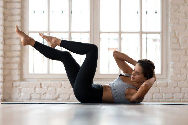 Συνδυασμός ασκήσεων για σούπερ σμιλευμένη μέση | imommy.gr