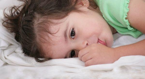 Tips για να σταματήσει το παιδί να πιπιλάει το δάχτυλό του | imommy.gr