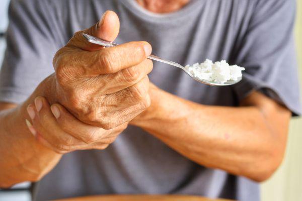 Νόσος του Πάρκινσον: Εξελίσσονται διαρκώς οι υπάρχουσες θεραπείες | imommy.gr