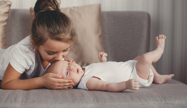 Οταν το νήπιο ζηλεύει το νέο μωρό | imommy.gr