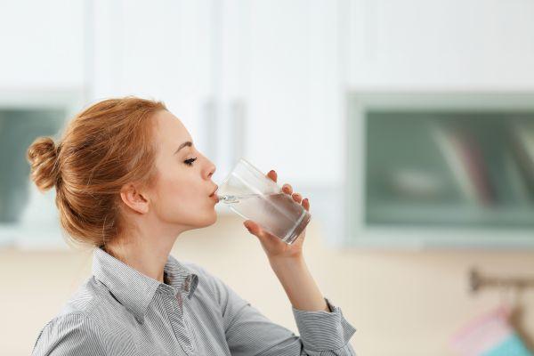 Εμβόλιο: Τρόφιμα και ποτά για την αντιμετώπιση των παρενεργειών | imommy.gr