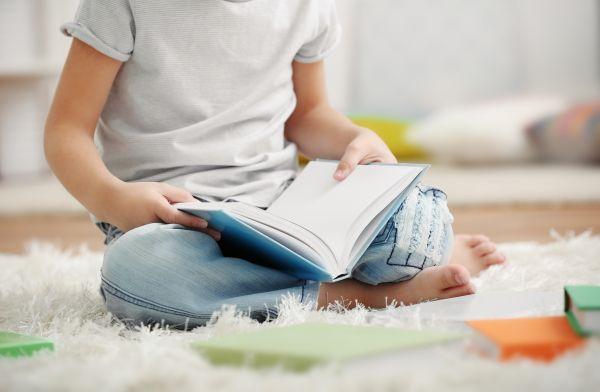 Παγκόσμια Ημέρα Παιδικού Βιβλίου: Τα παιδιά διαβάζουν; | imommy.gr