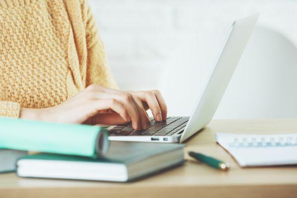 Καρπιαίο σύνδρομο και εργασία : Οσα πρέπει να γνωρίζετε   imommy.gr