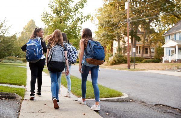 Δεν θα γίνουν φέτος προαγωγικές και απολυτήριες εξετάσεις – Παράταση της σχολικής χρονιάς | imommy.gr