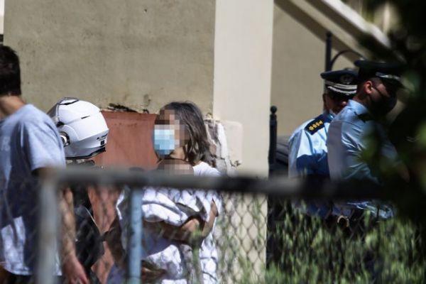 Γλυκά Νερά: Οι στυγνοί δράστες απείλησαν με όπλο το μωρό | imommy.gr