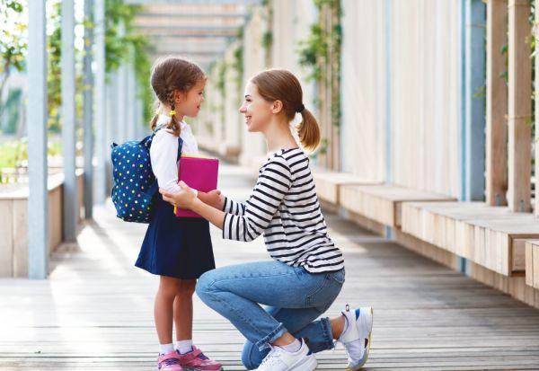 Γιατί είναι σημαντικό να μιλάτε με το παιδί για το σχολείο του   imommy.gr