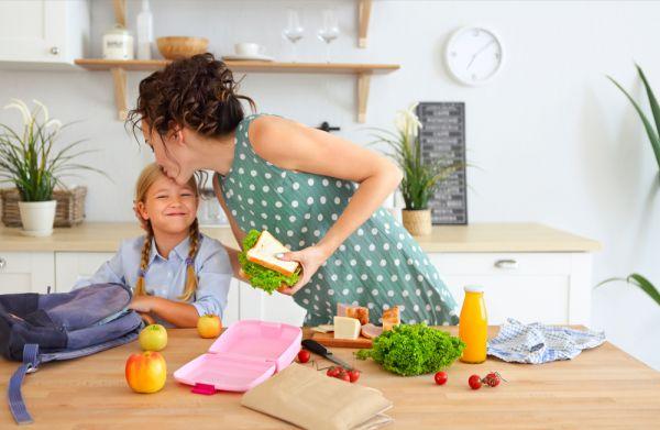 Μαθήματα… σχολικών σνακ: Επτά tips για να αδειάζει κάθε μέρα το lunchbox του   imommy.gr