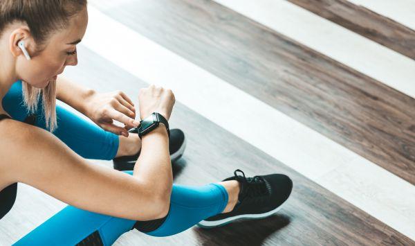Πόσο μας βοηθά το smartwatch στην γυμναστική;   imommy.gr
