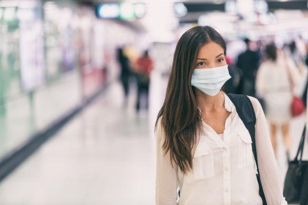 Μάσκα και κοροναϊός: Τι ισχύει για όσους έχουν εμβολιαστεί πληρώς | imommy.gr
