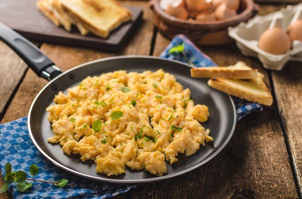 Μελάτα αυγά: Πότε γίνονται επικίνδυνα | imommy.gr